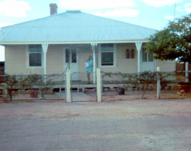 Annette Lorenz - A blazing hot day on the Nullarbor